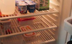 Dicas para tirar o cheiro ruim da geladeira