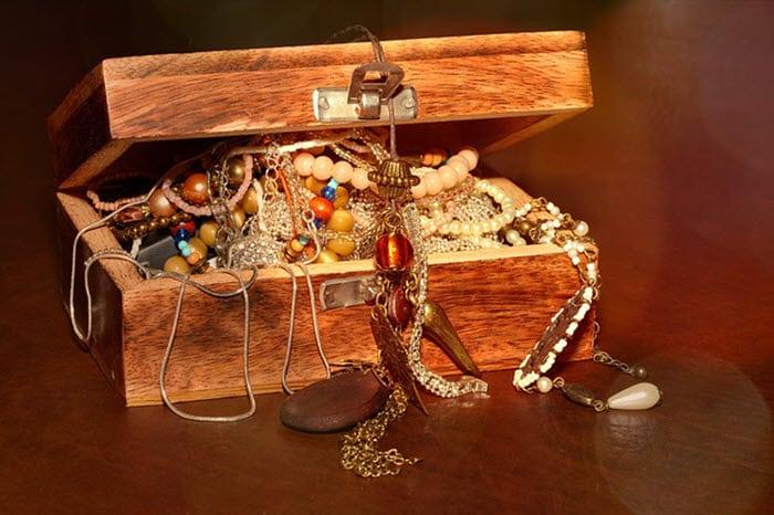 O que fazer para penhorar jóias - Baú de Jóias